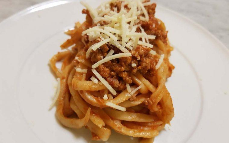 Pasta fresca con matterello taglia pasta